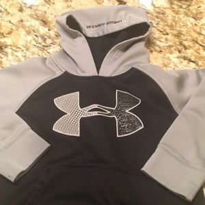 Other - Under Armour Boys size 6 hoodie pullover
